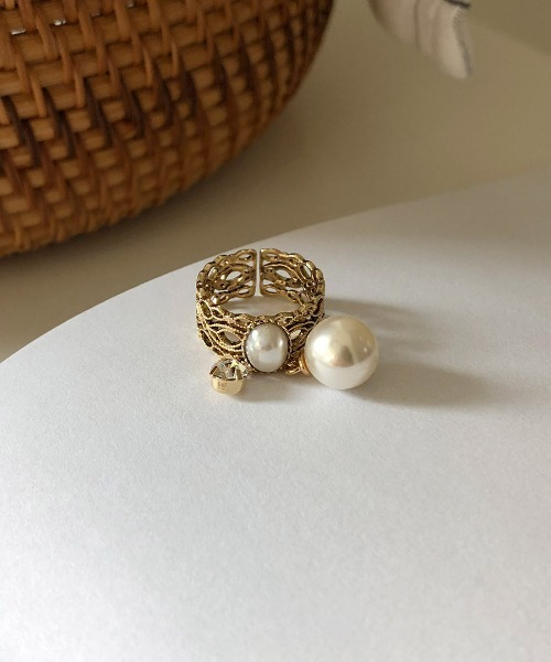 antique lace ring